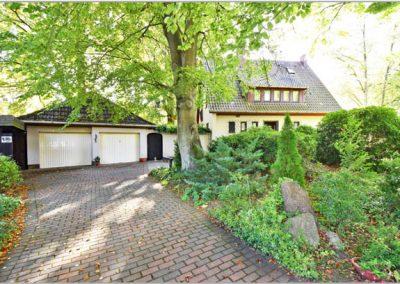 AUMÜHLE – Weitläufiges Baugrundstück mit erhaltenswertem Altbestand